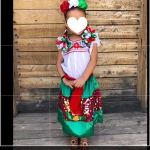 La China Poblana Folkorico sequin Dress Size 5-6